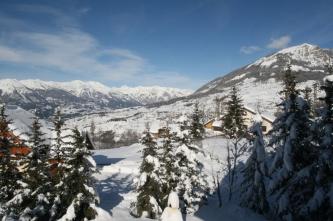 Les Orres, les chalets : l'hiver à la montagne_1